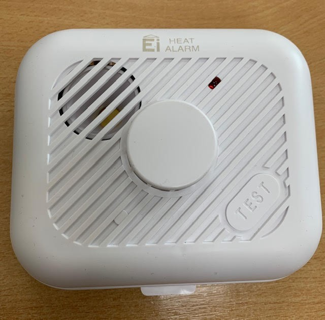 Aico EI3103RF RadioLINK Heat Alarm (with wireless interconnect) - Buy online or in store from John Cribb & Sons Ltd