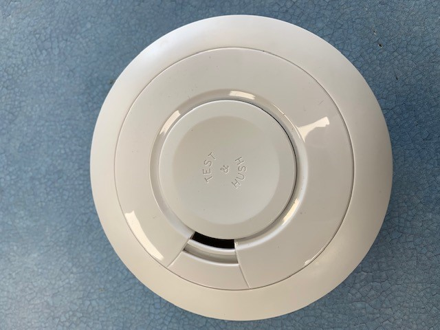 Aico EI605TYWRF Optical Smoke Alarm (Lithium Battery Powered) - Buy online or in store from John Cribb & Sons Ltd