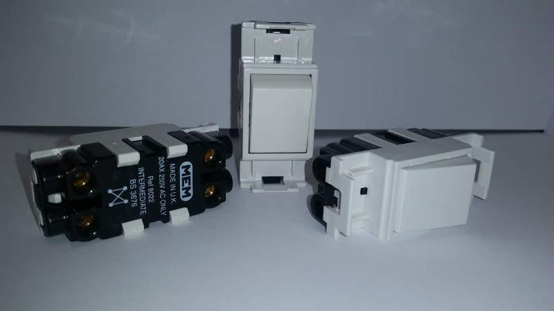 Eaton MEM F8022 20A Intermediate Grid Switch - John Cribb & Sons Ltd ...