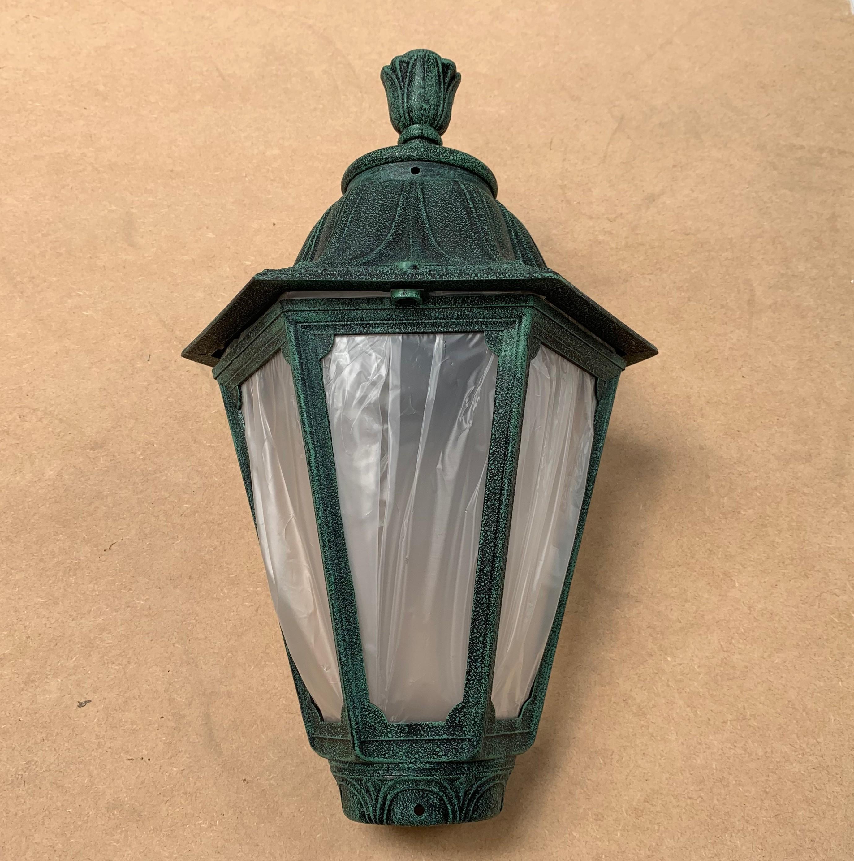 Fumagalli E26.G.GLA Medium Florentine Lantern in Antique Green