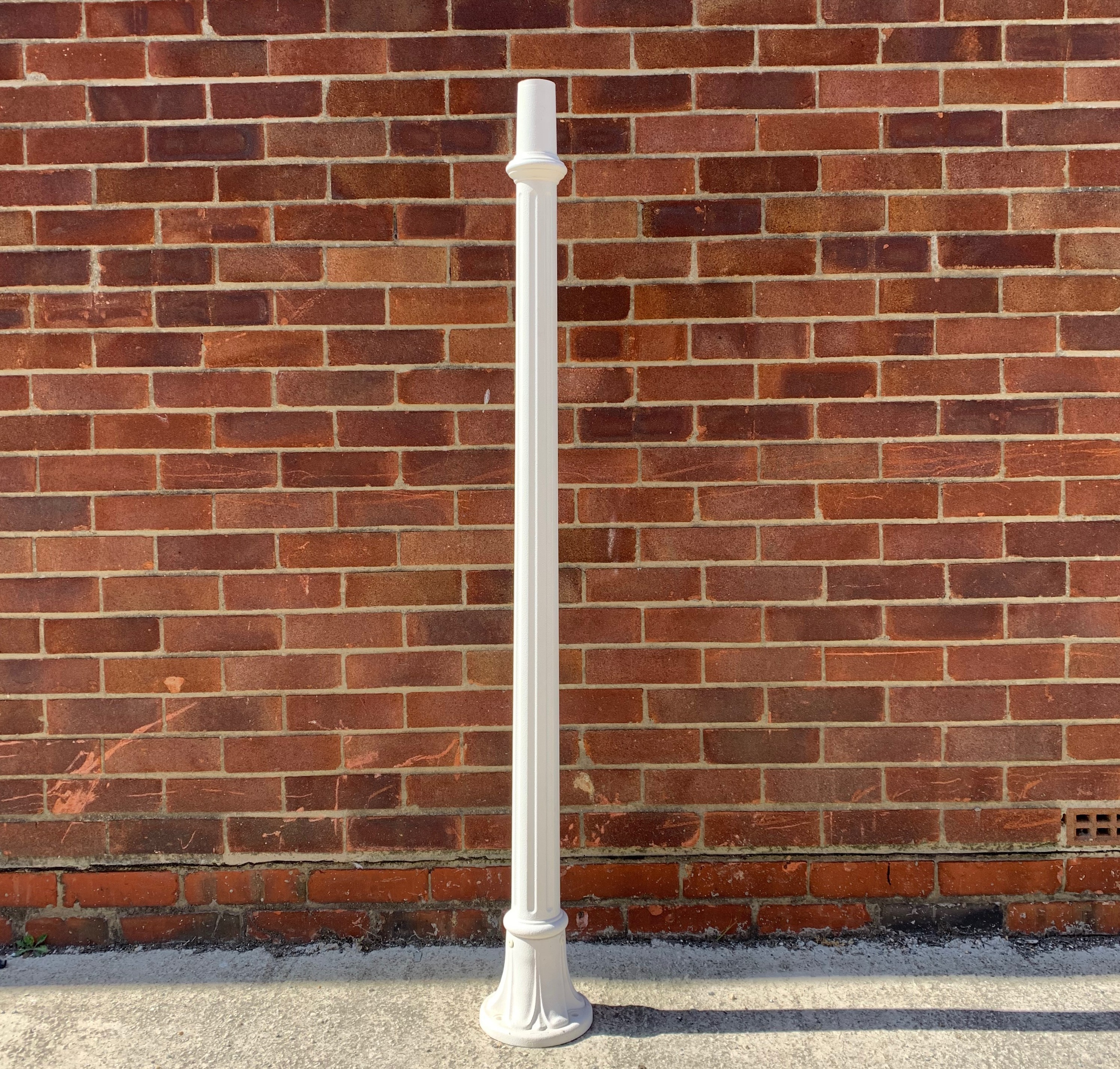Fumagalli 154.W Solo 1500MM Post in White - Buy online or in store from John Cribb & Sons Ltd