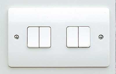 MK Logic K4874WHI 4 Gang 2 Way SP Plate Switch