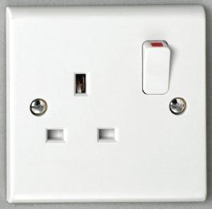 Deta S1207S 13A 1 gang Switched Socket SP