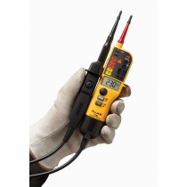 Fluke T150 Voltage and Continuity Tester With LCD, Ohms, Switchable Load (Fluke T150)
