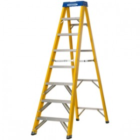 Werner 7160818 8 Tread Swingback Fibreglass Stepladder